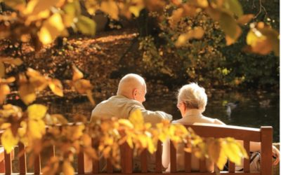 Tips for having a conversation with someone living with dementia symptoms
